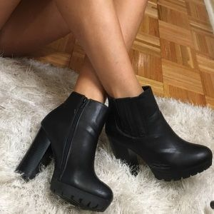 Black Booties ~ Look similar to All Saints""